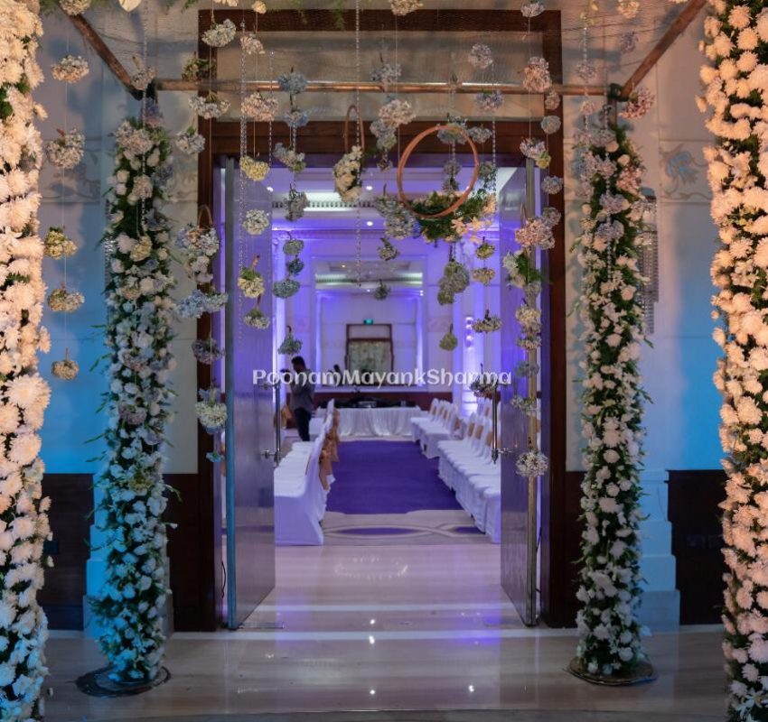 Resort Floral Wedding Planner